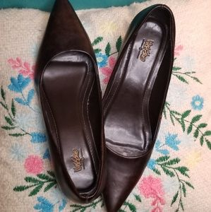 Mossimo Sz 8 Leather Kitten Heels
